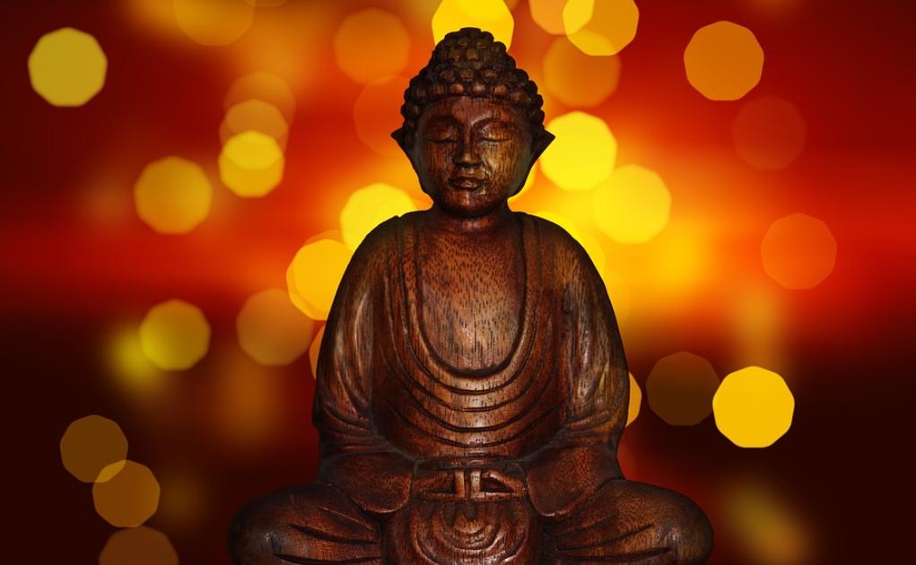 buddha_figuren_holz_