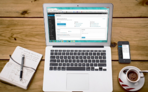 webseiten-laptop-analyse-kaffee